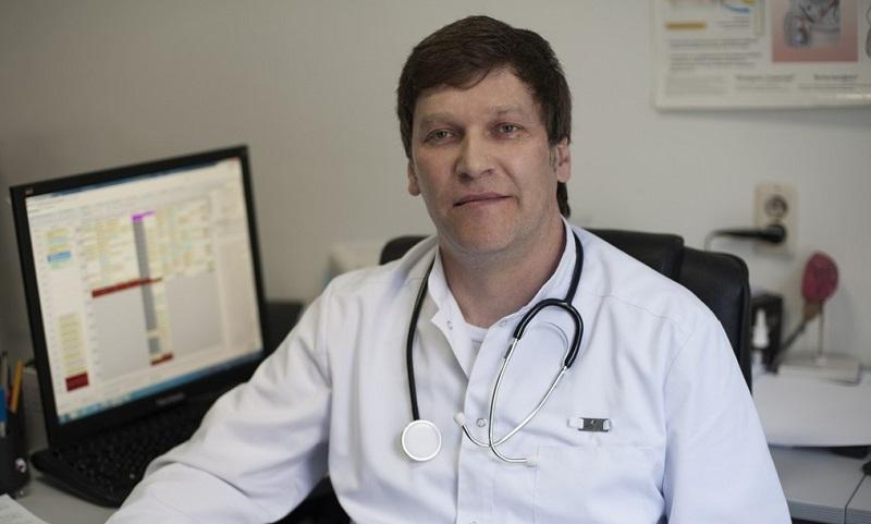 Врач рассказывает о лечении простатита физиотерапией